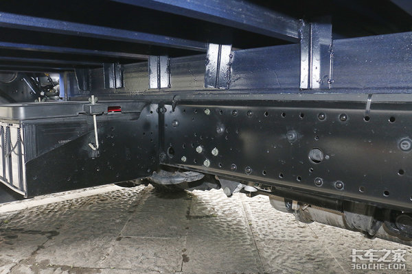 国六奥铃来了!184马力加持重载型轻卡