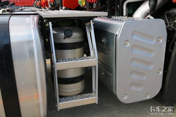 550马力新款解放JH6详解:能烧水做饭能上网,你们想要的它都有!