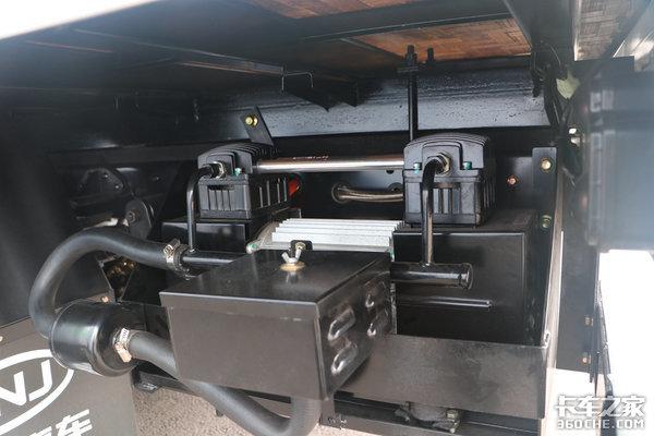 电动车竟然也要更换滤芯?还要加防冻液,老司机懵了