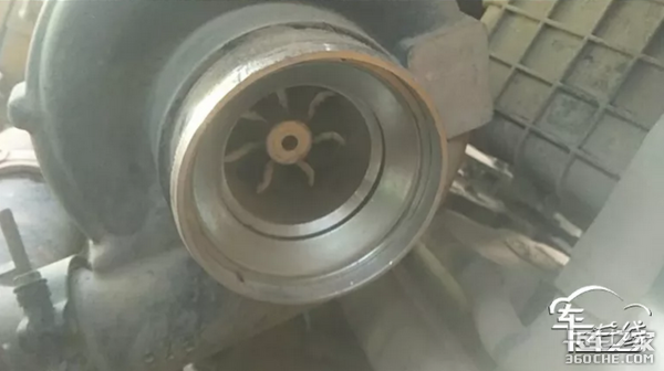 换空滤要挑好的别让发动机得'气管炎'