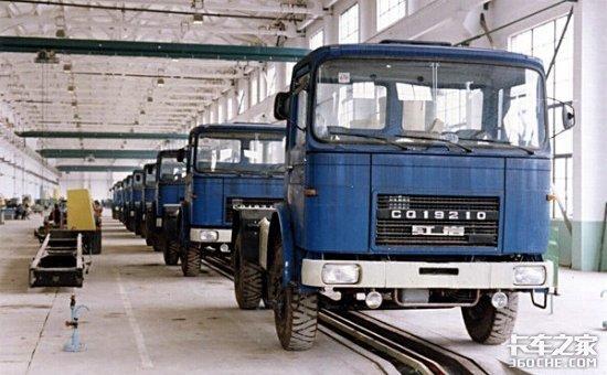 从军用卡车到民用重汽带你回顾上汽红岩造车历史