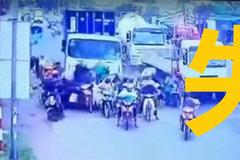 越南重大交通事故 卡�碾��50�v摩托�