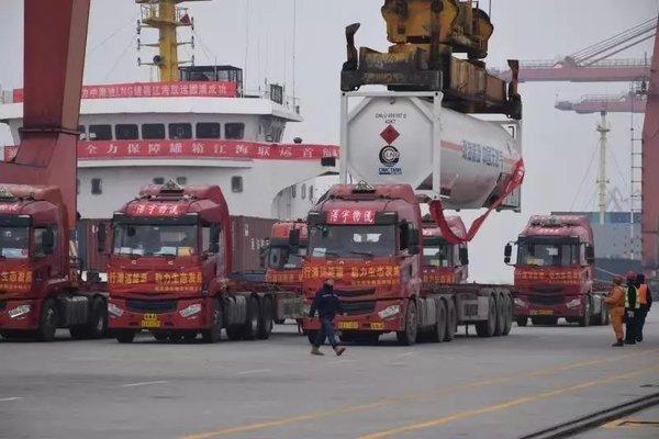 卡车晚报:我国首次LNG罐箱江海联运