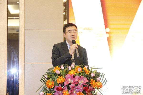 东风途逸国六小卡深圳率先发布现场获200台订单