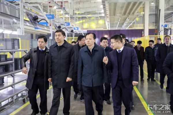德力汽车安阳工厂落成新车成功下线