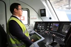 铁路将首次用货运电力机车自动驾驶技术