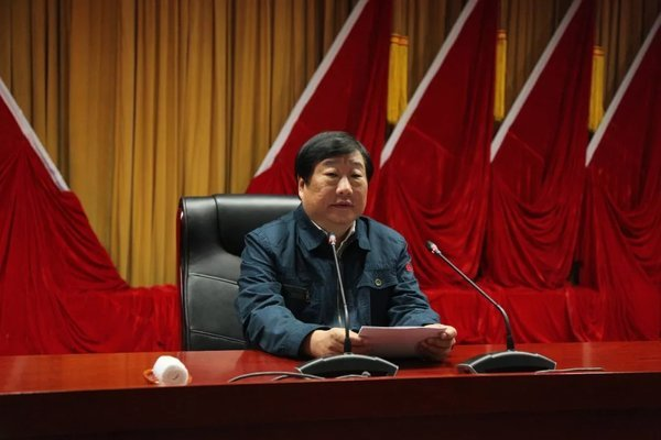 谭旭光:中国重汽要坚决退出与主业不相干的各种公司
