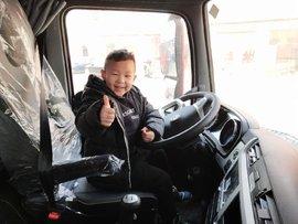 新东风天龙KL重卡怎么样?卡车司机:我6岁的儿子竖起了大拇哥