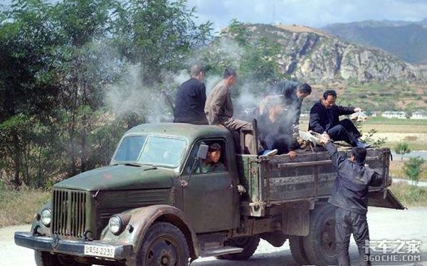 应对油荒,各国司机都被逼成了爱迪生