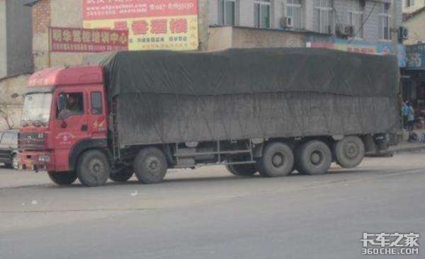 同样是9米6,为啥跑西藏就会多俩轮胎?