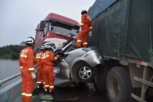 全国人大代表王一君:机动车上应安装自动紧急制动装置