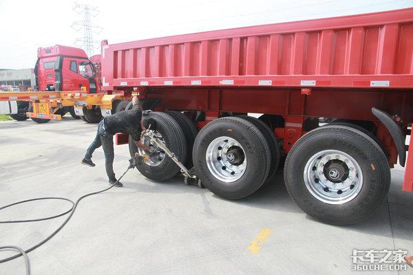 关乎油耗影响安全,卡车轮胎应该按什么标准选购?