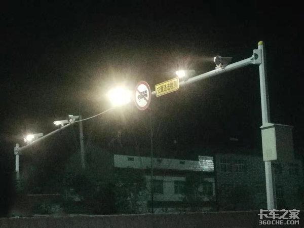 襄阳:已开始安装黄牌货车电子抓拍系统,不进站者罚款200元、记3分