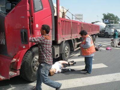 合肥一货车与电动车相撞致2人死亡后逃逸长丰警方4小时破案