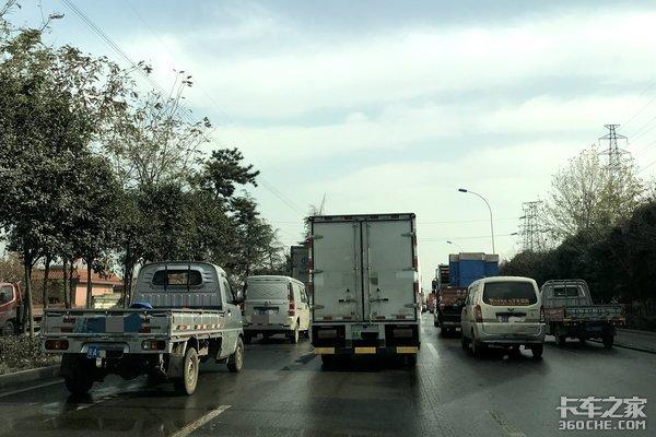 姜卫东:破除载货汽车进城吨位限值壁垒
