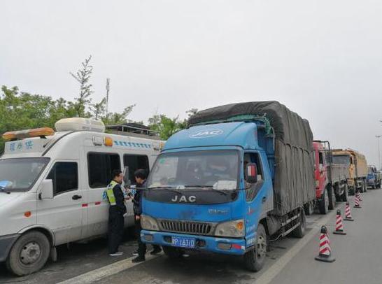 机动车污染管控力度加大!郑州50个卡点为执法提供数据支撑