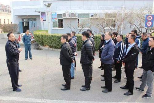 物流八卦:京东为反腐带员工参观看守所