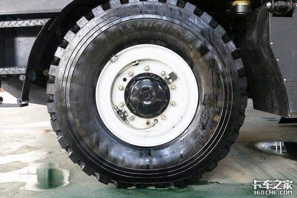 越野卡车轮胎上的这根'管子'是干嘛用的