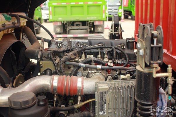 2.2米宽驾驶室轻卡骏铃V8对比欧马可S5