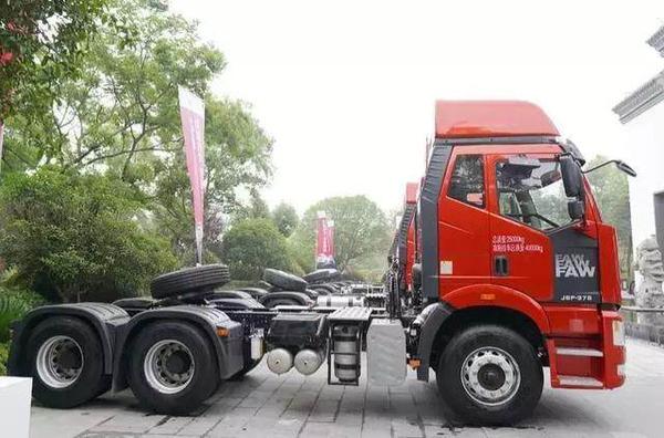 解放新J6P质惠版(运煤款)牵引车:更适合煤炭运输行业的卡车