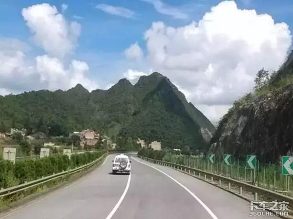 因路而生拍出最美行车春景,卡车司机摄影大赛启动!