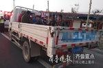 男子开货车拉民工 被单县交警当场查获