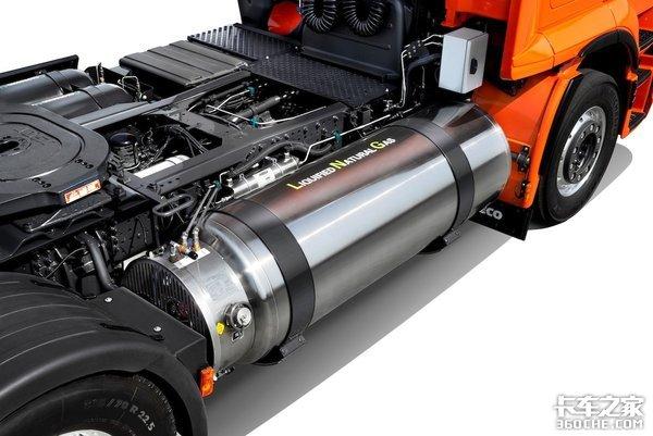 LNG+CNG双燃料,新款依维柯燃气重卡能否突破1000km续航里程?