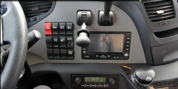 心系卡友之家全程保驾护航――一汽解放新J6P高原款