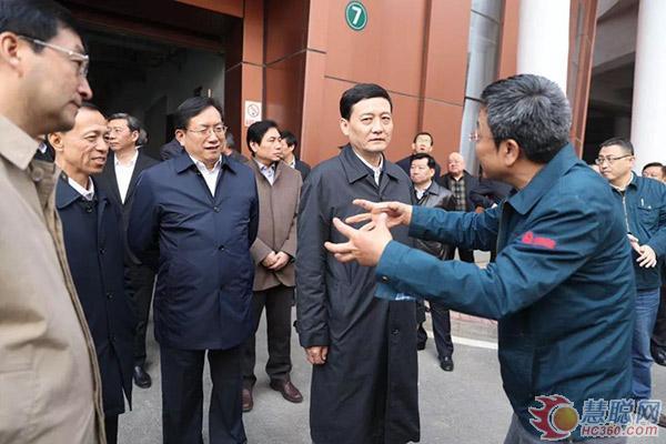 国务院国资委主任、党委副书记肖亚庆到中国重汽调研