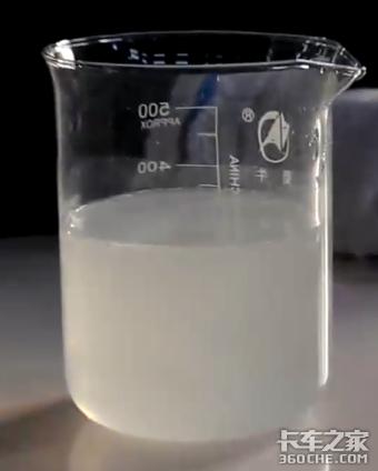 车用尿素液有白色沉淀物是为什么?
