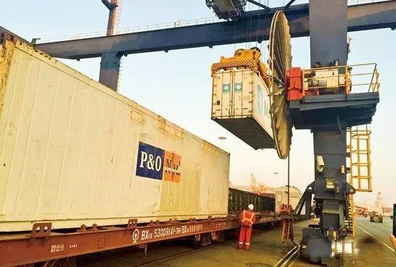 山东济南:中国首列全集装箱出口冷链班列开行
