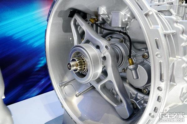 【上海车展】120万公里长换油自重仅298公斤全新伊顿AMT变速箱亮相