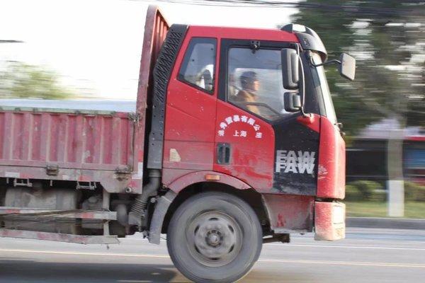 高速货车只能超一车上海外环线内国三柴油车即将限行