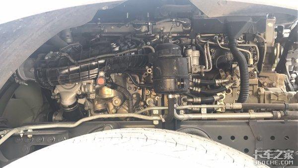 罕见!拉大板的新款奔驰Actros-mp4你见过吗?