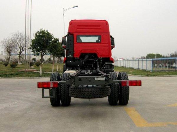 重汽豪瀚6米8载货车装了潍柴机是亮点?不,高顶双卧驾驶室才是!