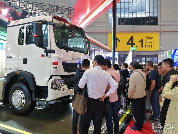【上海车展】卡车智能化到底是什么?对司机有啥帮助?听听车企怎么说
