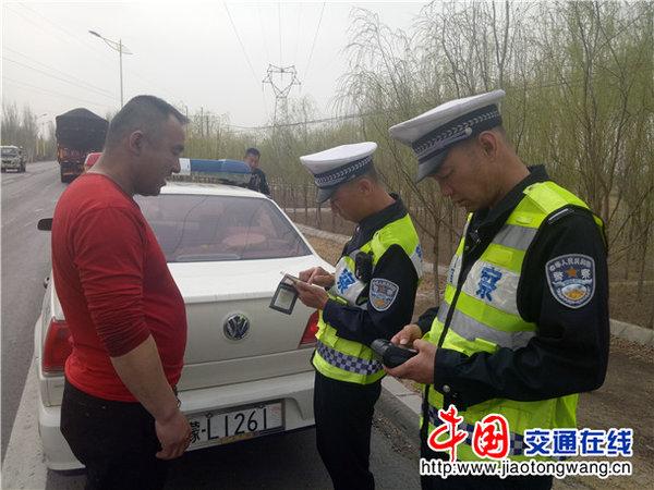 大货车驾驶员不系安全带被处罚存在隐患太大了