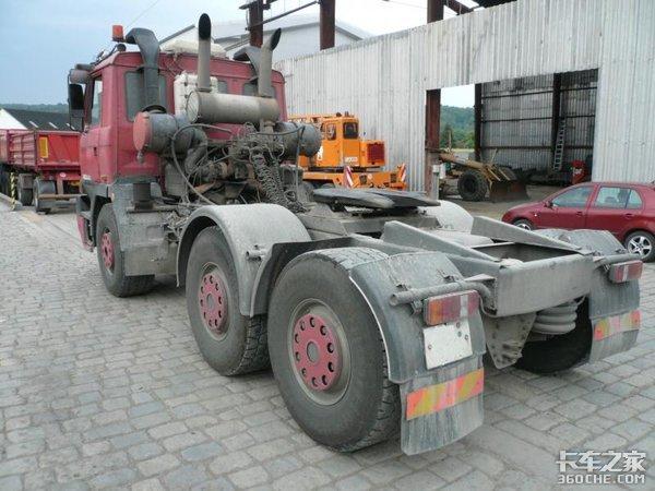不可思议!国内罕见的TATRA-T815V12车型仍在服役