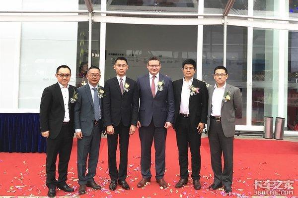 瞄准中国高端商用车需求布局华东市场苏州众曼盛大开业