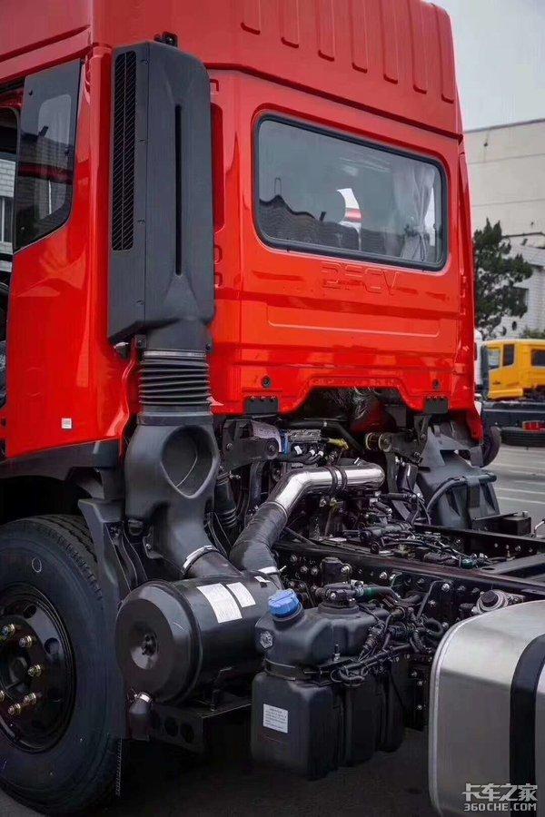6.8米载货车也要大空间高顶双卧的天锦KR新车曝光