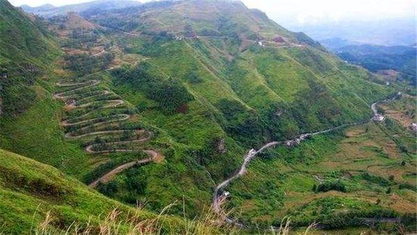 """中国这六条公路称""""奇迹""""其中一条因资金不够成世界最曲折公路!"""