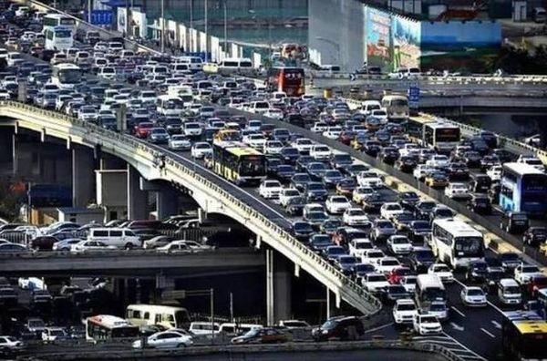 """完胜北京!重庆成""""全国最堵城市""""你可曾在高峰堵到怀疑人生?"""