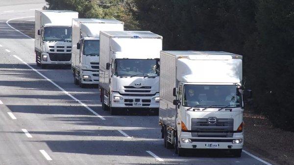 """外国的卡车司机跟我们也差不""""多""""嘛"""