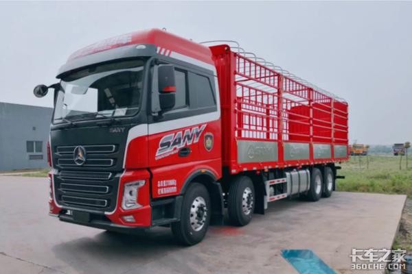 三一重卡9米6载货车即将上市康明斯X12引擎、全车铝圈,看完想买了!