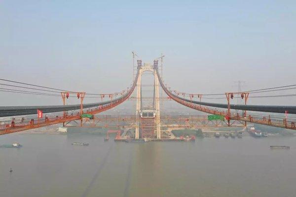给力!连淮扬镇铁路五峰山长江大桥主缆架设完成