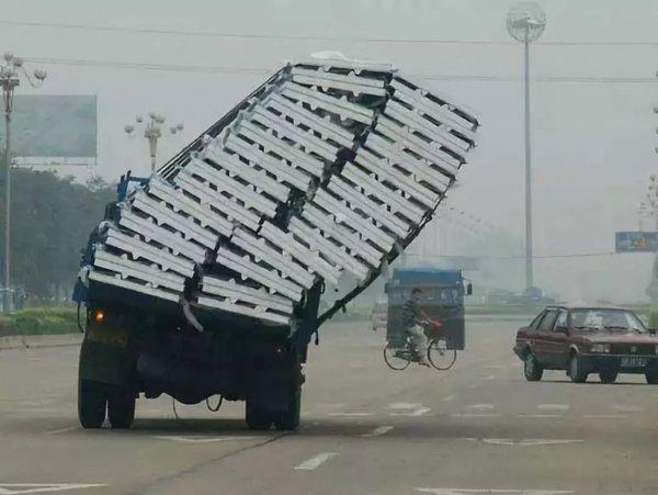 被迫?司机举报自己超载要坚决抵制!