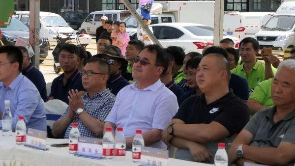 云南文山:100辆渣土车交车仪式暨陕汽杯自卸车实况技能挑战赛