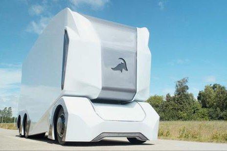 全球首例瑞典无人驾驶电动卡车获准上路运货
