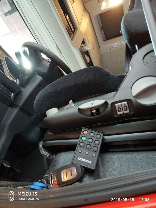 AMT+提升桥新款解放J7是进口车配置!