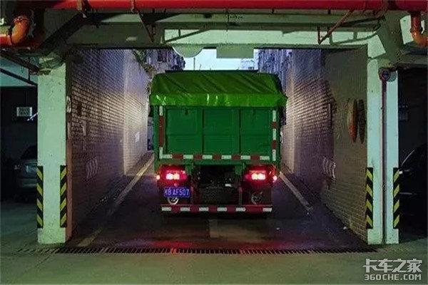 能自由出入地下室的工程自卸车,到底好在哪儿?